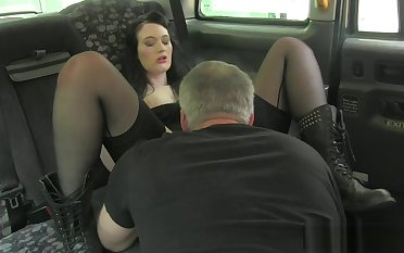 Bigass euro pussylicked by taxi au pair girl