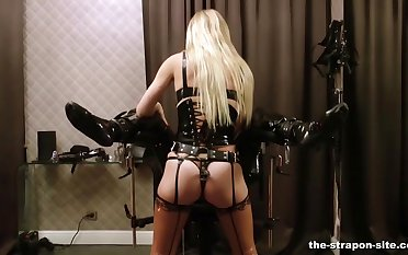Dominant blonde Lady Estelle gives her slave a rough unearth torture