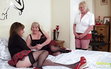 Older fro experienced mature women arrange a threesome