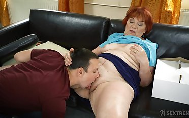 Granny loads her fat pussy forth the nephew's energized dick