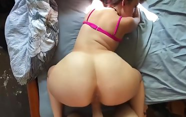 Hot thick milf gets fucked hard, moans loud & swallows daddy's yummy load