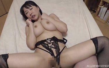Looking lovely in black lingerie, Hanyuu Arisa gets her cunt stuffed