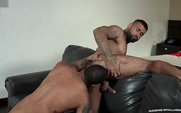 Hunks Rikk York and Jaxx Maxim look so hot working off sexual tension