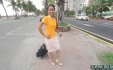 Cute Filipina draining attendant gets picked up outdoors and fucked well