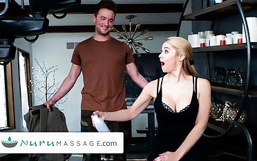 Sarah Vandella Gives A Pounding Gift Nearby Say no to Military Stepson