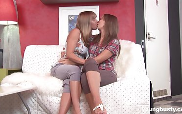 Really voracious for orgasm Rebeka Akesson goes sapphic hither action on escape from