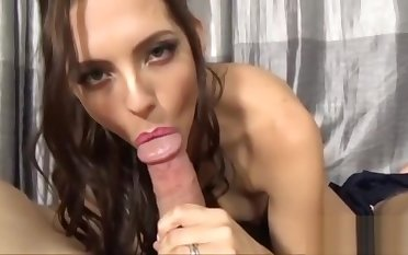 MILF with Milky Tits Fucking with Neighbour by means of Coronavirus