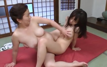 [JUC-700] MOTHER/ DAUGHTER-IN-LAW Of a female lesbian TRAINING: PEA