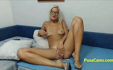 Hot solo of blonde girl newcomer disabuse of California on cams live, she is nerdy tall girl with fit body