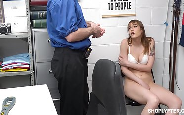 Quickie fucking overhead along to table ends almost a facial for Rebecca Vanguard