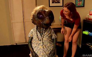 Kinky MMF triune with slutty redhead boyfriend Jodie Taylor