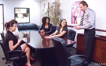 Erotic sex games grounds nice fucking on the office table. HD