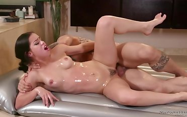 Tattooed, bald man is eager to fuck a smoking hot brunette, instead of getting a palpate