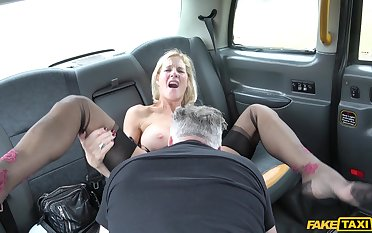 Guy fucks this busty woman on her similarly to work