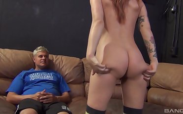 Quickie fucking on transmitted to bed with tattooed pornstar Alyssa Branch