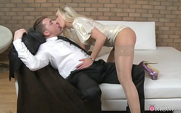 Toff close by a big cock enjoys fucking wet pussy of a hot blondie