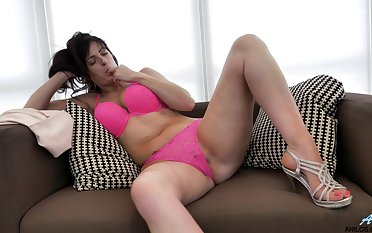 Horny get hitched Jessie drops her pink underwear to play with her snatch