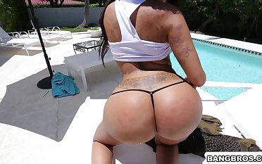 Hardcore gender in POV video with huge ass neighbor Lela Famousness