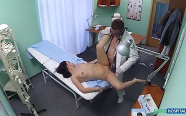 Sexy patient likes it from behind with her new doctor